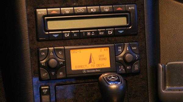 Auto pilote system imenovan Comand APS leta 1995