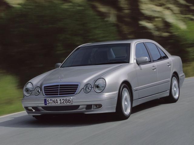 Predstavitev: Razred E (W210) peta generacija 1995-2002