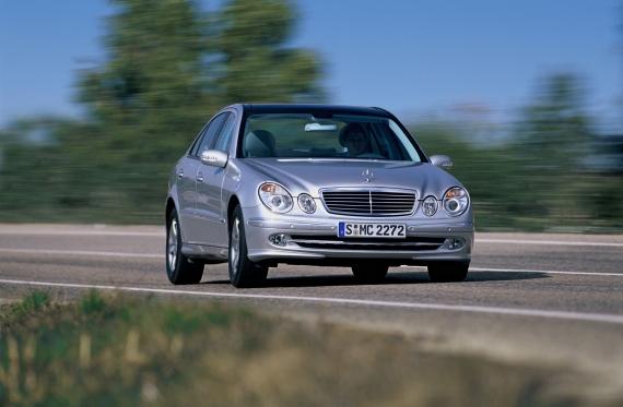 Predstavitev: Razred E (W211) šesta generacija 2002-2009