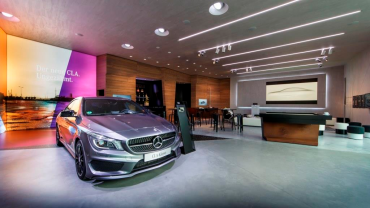 Mercedes-Benz 2020 – predstavitev prodajne in marketinške strategije.