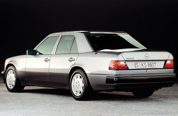1991-1994-mercedes-benz-500E-E500-W124-driver-side-rear-view-02