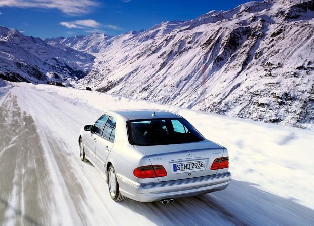 Mercedes-Benz-4Matic-726327
