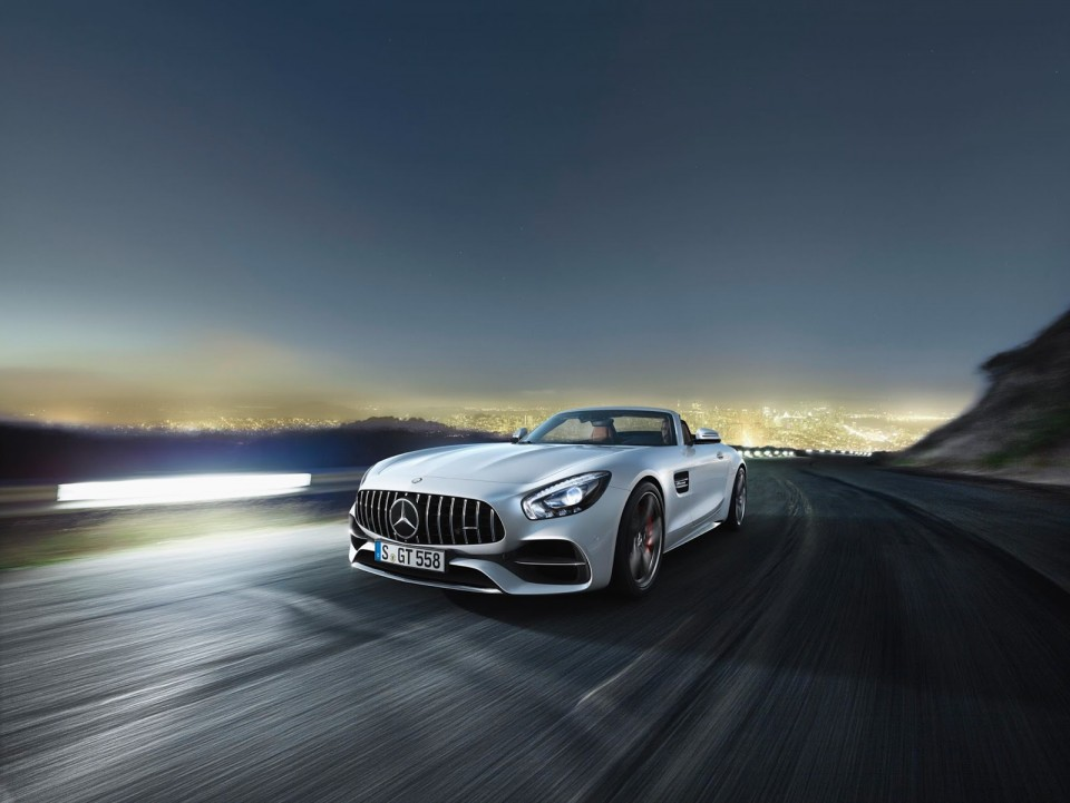 Mercedes-AMG GT zgoraj brez